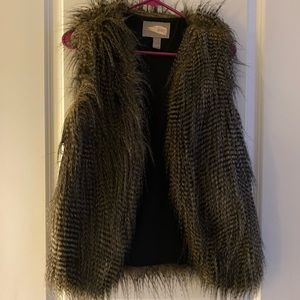 Forever 21 Faux Feather/Fur Vest Small